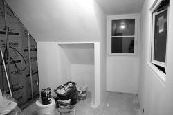 Rénovation de combles :Réalisation d'une chambre et d'une salle de bain : avant